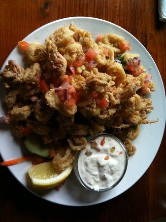 Mulligans Bar and Grill: Best Calamari