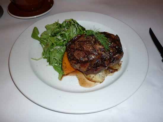 Captains Restaurant : steak
