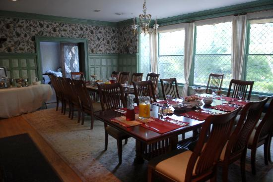Rose Hill Estate: Dining room