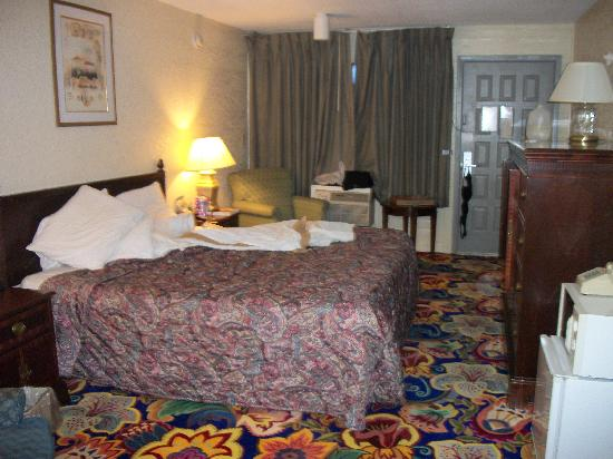 Sunrise Inn: Room