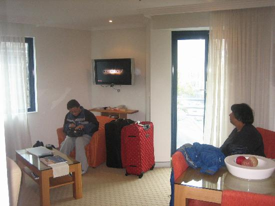 Wyndham Sydney Suites: Living Room Area