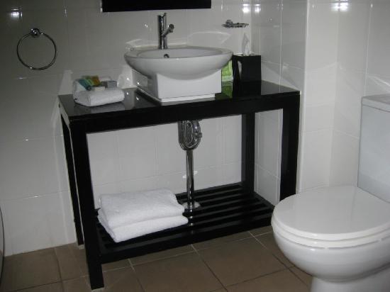 Rydges Mount Panorama Bathurst: Bathroom detail