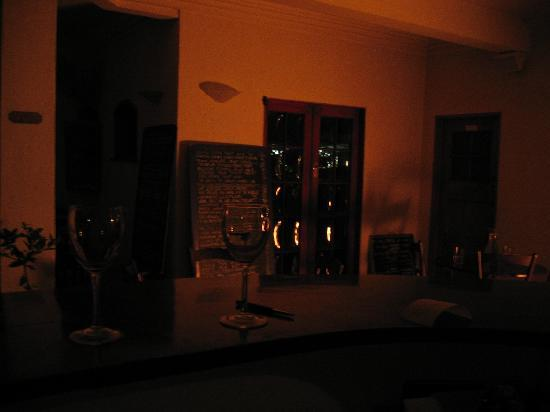 White House Cafe and Bar : Cosy atmosphere