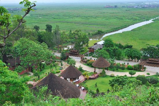 Pristine Lotus Spa Resort : Pristine Lotus - Landscape