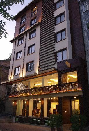 Ottoman Hotel Park: Exterior