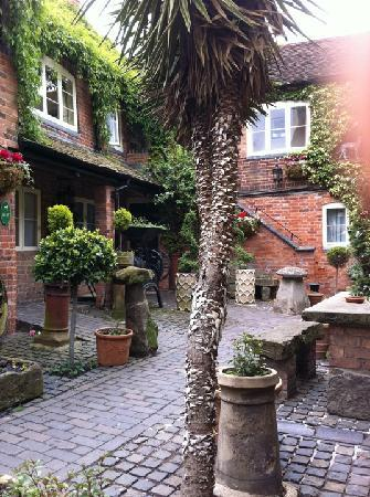 Greyhound Coaching Inn: the courtyard