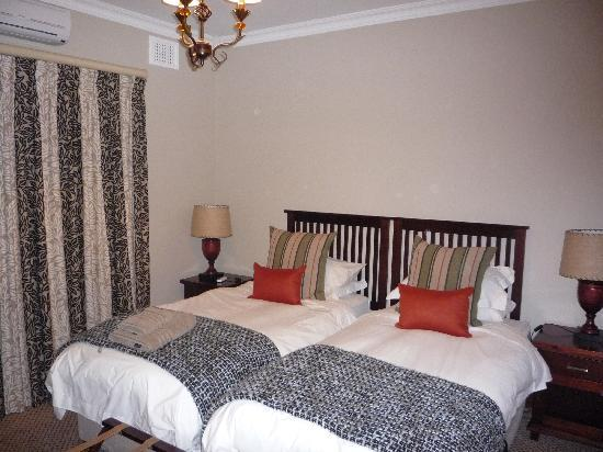 Hilltop Manor Bed & Breakfast: Self catering cottage