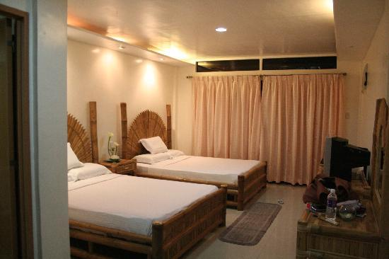 Malapascua Exotic Island Dive & Beach Resort: One of the rooms