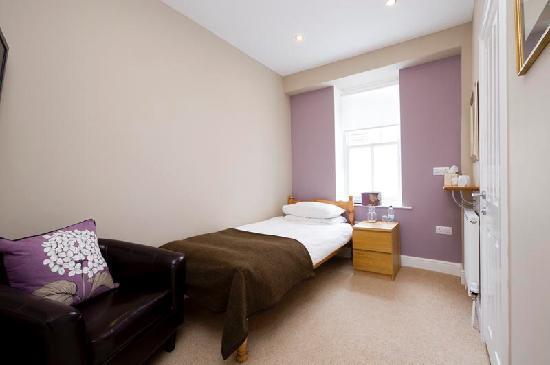 Cartref Guest House: Room 5 - Single en suite room