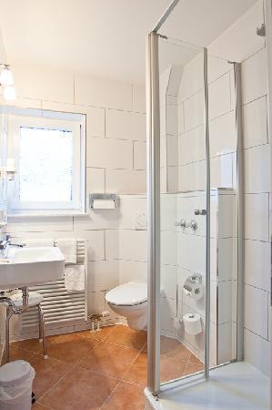 Hotel Garni Schacherer: Badezimmer