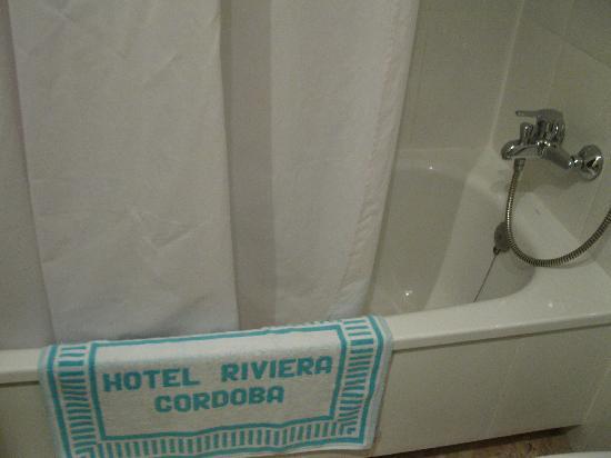Hotel Riviera: Baño 2