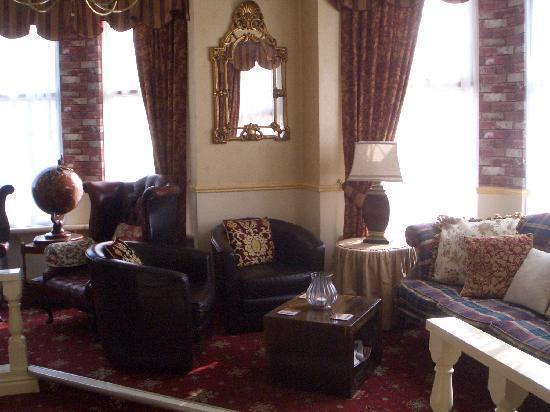 Brookside Hotel : Reception Seating