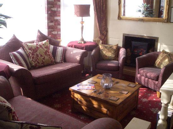 Brookside Hotel: Upper Library
