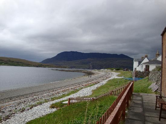 Ardanair Cottage: Looking north toward the caravan site at Ardmair Point