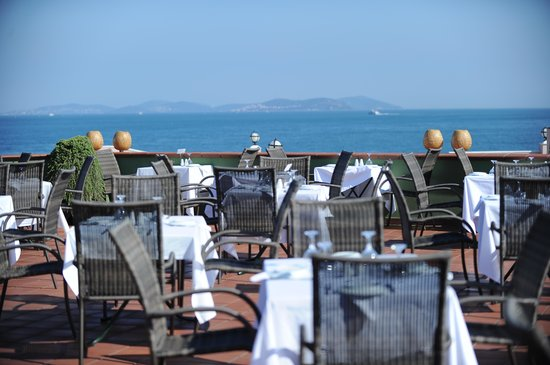 Armada Terrace Restaurant: best sea view in the Old City
