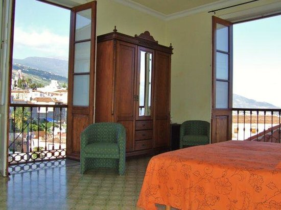 Hotel Alhambra: Habitación con vistas
