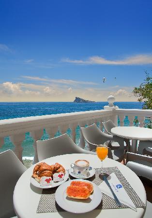 RH Hotel Canfali : Desayuno terraza