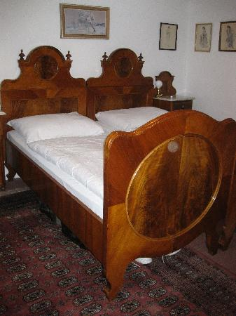House at the Big Boot: beds in our room