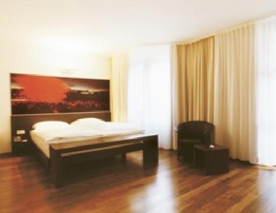 Spitz Hotel: Zimmer