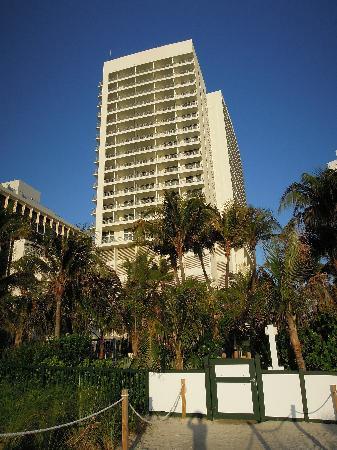 Ansicht Hotel vom Strand