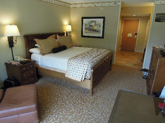 Hyatt Regency Hill Country Resort and Spa: Zimmer auf 1. Etage mit Balkon