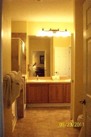 Bluegreen Vacations Harbour Lights, Ascend Resort Collection: 1 BR Suite Bath w/garden tub, sm shower & double sink