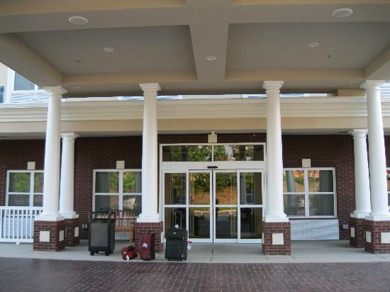 Country Inn & Suites By Carlson, Columbia at Harbison: Front Entrance