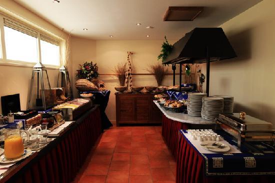 Hotel de Harmonie: Breakfast area