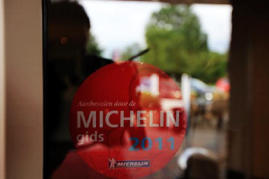 Hotel de Harmonie: The Michelin Sign on the hotel door