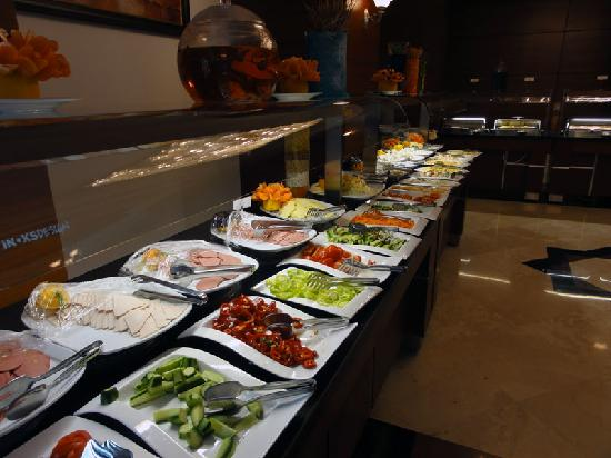Crowne Plaza Hotel Antalya: Breakfast spread #1