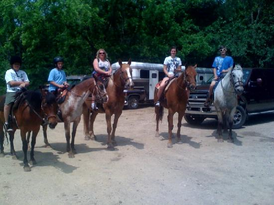 Hickory Hollow Horse Farm : Our group of five