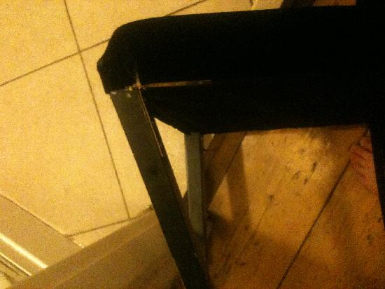 Keizersgracht Apartments: Broken Chair 1