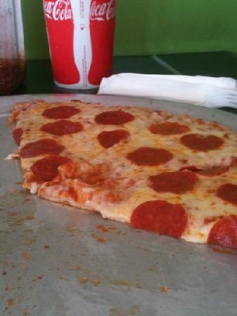 William's Pizza : pepperoni