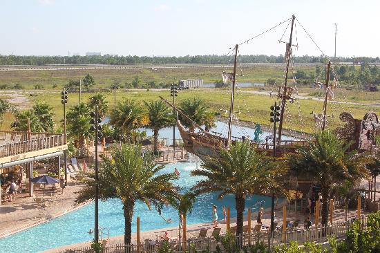 Lake Buena Vista Resort Village & Spa: Pirate's Plung Pool & Waterslide