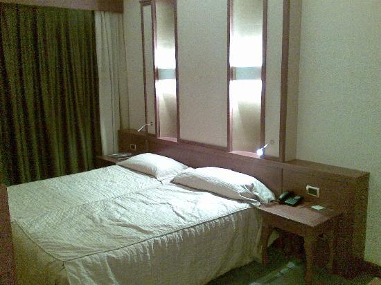 Thai Si Royal Thai Spa & Hotel: Letto