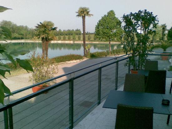 Thai Si Royal Thai Spa & Hotel: Vista lago per colazione