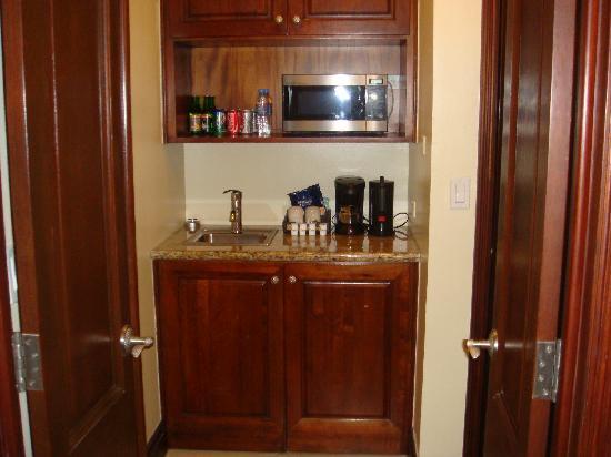 Good Sandals Grande Antigua Resort U0026 Spa: Minibar Sink Area   Penthouse Suite