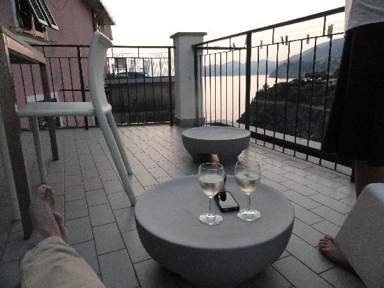 Luxury Apartments Manarola: things to do on the patio