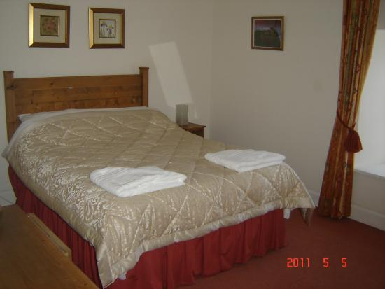 Swanston Farm Holiday Cottages : bedroom