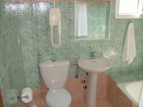 Bathroom - Hotel Estelle: wc