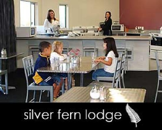silver fern lodge kitchen/dining area