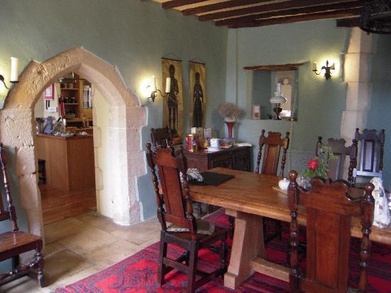 Fyfield Manor : The breakfast room