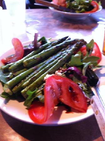 Charlie's Mountain View: asparagus salad