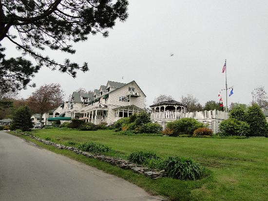 Spruce Point Inn Resort and Spa: General Grounds