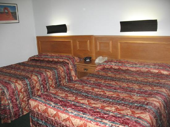 Silver Sage Inn: Standard 2 Double Beds
