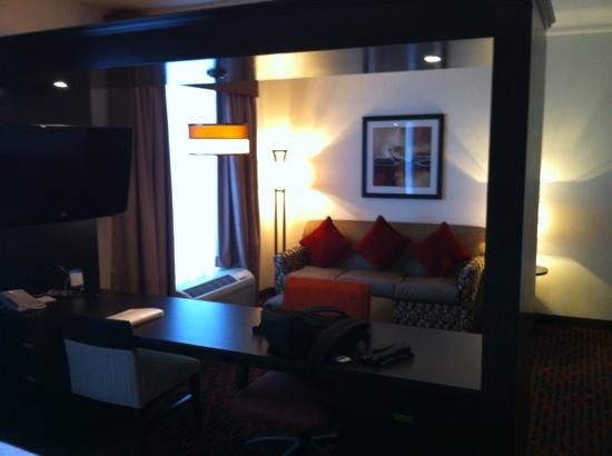 Hampton Inn by Hilton Fort Saskatchewan: king suite