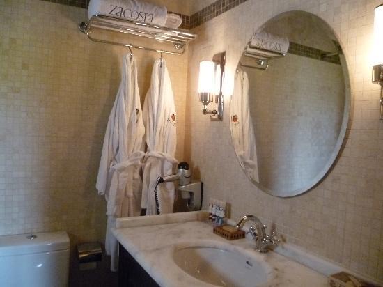 Zacosta Villa Hotel: Bathroom