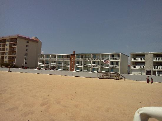 Sahara Motel: view from the beach