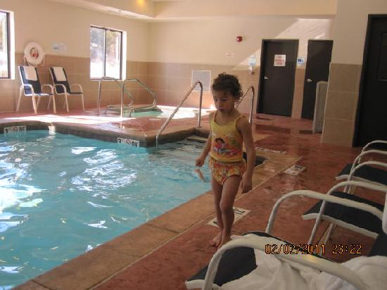 Holiday Inn Express Hotel & Suites Guthrie-North Edmond: pool fun