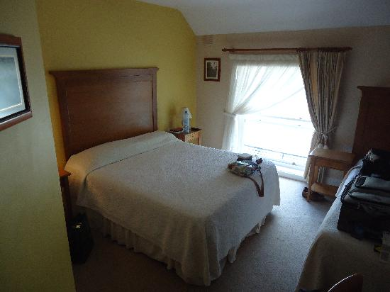 Fanad House: Spacious room